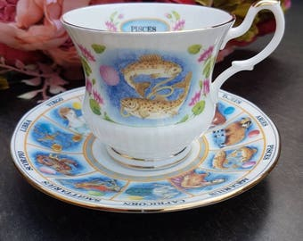 Tea Cup and saucer//vintage//horoscope PISCES//Queen's zodiac England//second hand dealer//gift//eyecatcher//fine bone China tea////