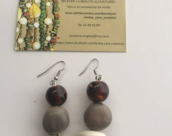 Earring stone for women with seeds and amber beads color Modeleunique gray white and brown Loop earwires in ethnic style