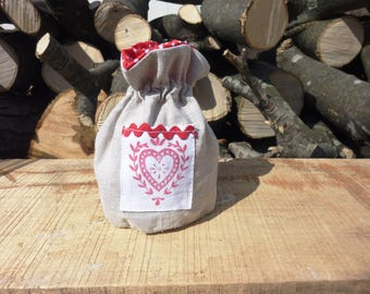 Bag with hemp tie