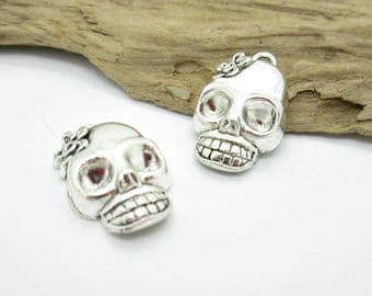Silver Sugar SKull Charm, Funky Skull Charm, Small Skull Pendant, Day of the Dead Charm 22x13mm (6)