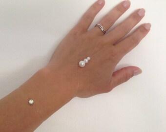 Slave bracelet White Pearl beads, nylon jewelry wedding