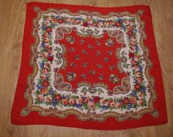 Red Beige Green Polish Shawl Russian Shawl Ukrainian shawl Floral square headscarf Roses Neck scarf neckerchief Babushka Folk scarf Poland