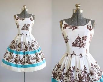 Vintage 1950s Dress /50s Cotton Dress / Vicky Vaughn Novelty Border Print Dress S