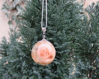 silver chain necklace pendant bubble resin inclusion d rose peach called everlasting