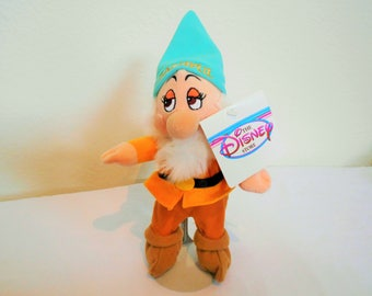 """Disney Mini Beanbag Plush """"Bashful"""" One Of The Seven Dwarfs From The Fairy Tale """"Snow White""""/New With Tags/So Sweet And Very Shy!"""
