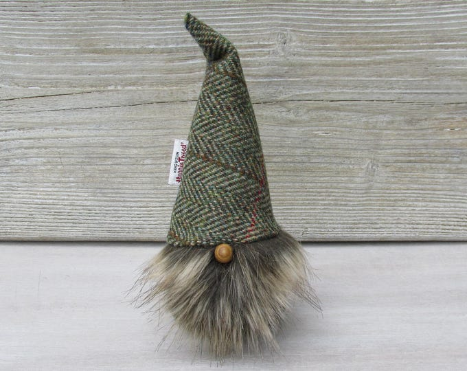 Harris Tweed Green & Fawn Herringbone Scandinavinan Tomte