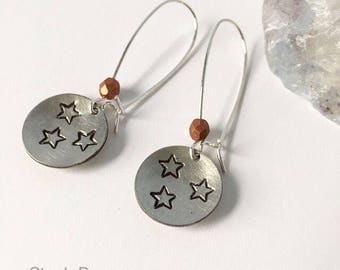 Tennessee earrings in pewter with orange accents
