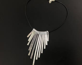 Hammered necklace XL