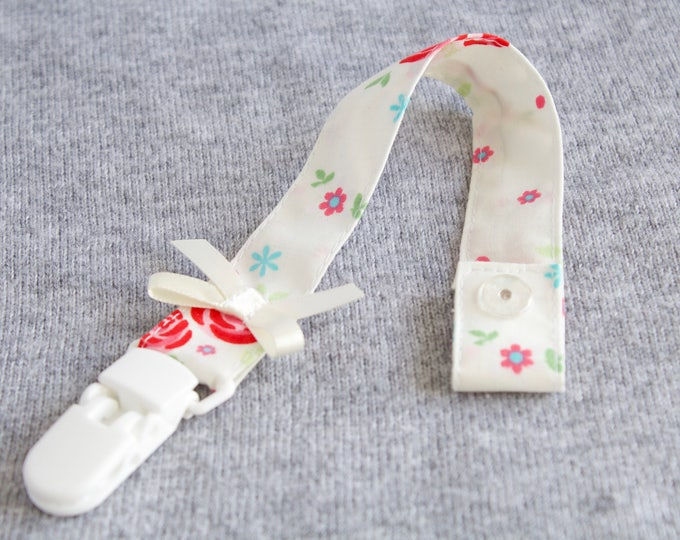 Ivory floral dummy clip/ pacifier clip