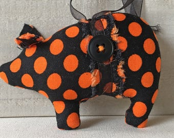 handmade pig ornaments - Halloween - black and orange - autumn fall colors - pig decor - farm decor - country cottage - animal ornaments