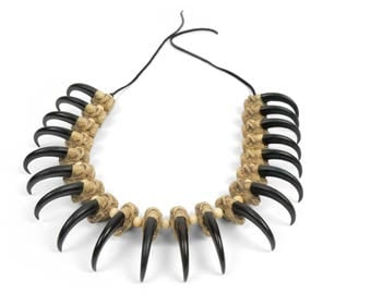 Realistic Eagle Claw Necklace : 20-claws (560-320)