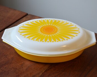 Vintage Pyrex Daisy Divided Dish, Shallow Casserole Dish, Sunflower pattern on opal milk glass, Mid Century Kitchen, Mod Flower