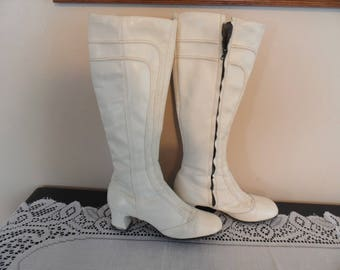 RARE Vintage Couture White Lissak GOGO Boots Size Zipper Size 7-7.5 Square Heel Retro Knee High 1960's Hippie Gypsy Footwear