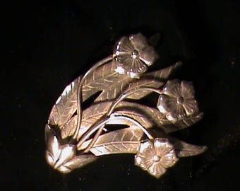 Silver 2-D Flower and Leaves Pin made by Hector Aguilero