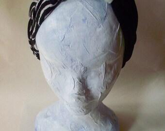 ELASTIC HAIR BAND BLACK AND WHITE