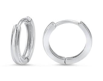 Silver Huggie Earrings // 925 Sterling Silver // Small Huggie Earrings // Silver Huggie Hoop Earrings // Small Hoops Earrings