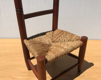 Child's school 50 year old Chair in wood & straw Vintage