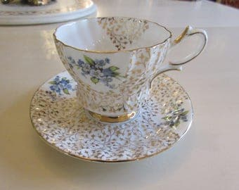 ENGLAND QUEEN ANNE Teacup and Saucer Set