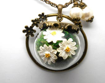 The flowers and MOSS glass globe pendant necklace