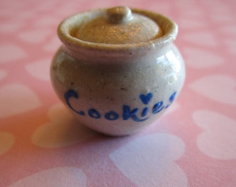 Cookie Jar for 1/12th scale dollhouse.