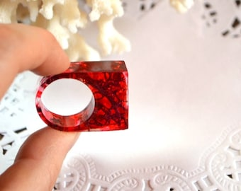 red ring womens gift for nature lovers geometric ring jewelry gift for women moss ring terrarium ring organic ring large ring resin jewelry