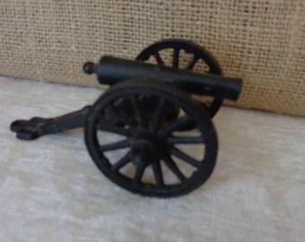 Vintage Penn Craft Toy Cannon, cast iron, USA PENN