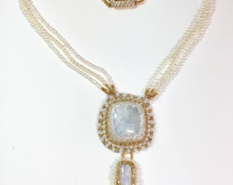 Moonstone Pearls and Gold Necklace