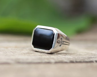 Onyx Signet Ring, Dagger Ring, Buff Top Ring, customisable ring, black stone ring