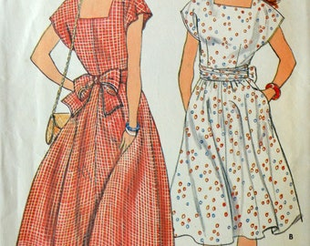 Uncut 1980s Butterick Vintage Sewing Pattern 4973, Size 12-14-16; Misses' Dress
