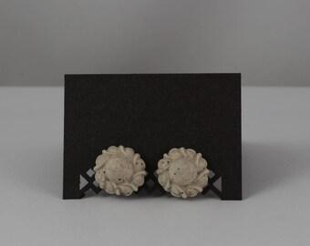 Stud earrings - Flower Ornament