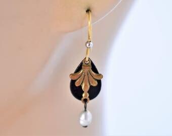 """Vintage Fleur De Lis Dangle Hook Earrings Faux Pear Delicate Retro Boho Costume Jewelry 1.5"""""""