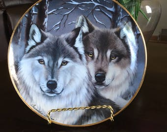 Eyes of Winter Collectors Plate
