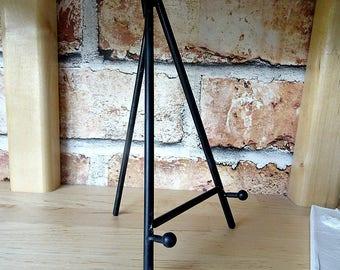 Metal Tile Stand