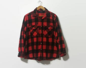 1990s Red and Black Checkered Flannel L/XL