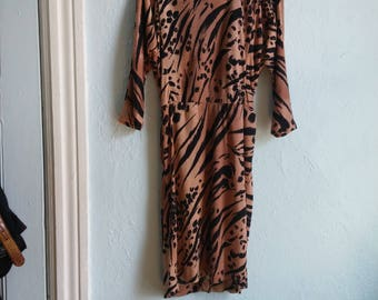 Dusty rose 1980s leopard tiger print comfortable fitted dress size small