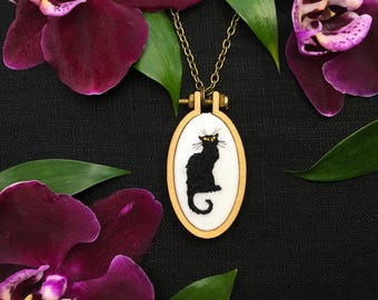 Le Chat Noir// Hand Embroidered Pendant// Black Cat Embroidery