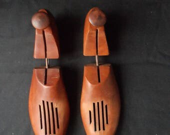 Pair of Vintage Wooden Shoe Stretchers  Wood Shoe Stretchers   Wood Shoe Mold, 1448