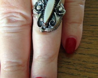 Native American Sterling Silver Mother of Pearl Ring