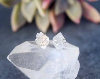 Quartz stud earrings,quartz earrings raw,crystal stud earrings,wire wrapped earrings,gemstone stud earrings,healing crystals,clear quartz