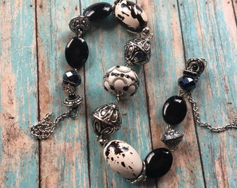 Southwest Boho Beaded Necklace, Black and White Beaded Necklace, Southwest Jewelry, Boho  Jewelry, Boho Necklace, Southwestern Necklace