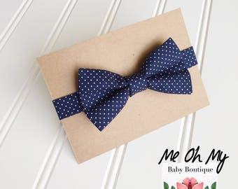 Navy blue Baby bow tie, Toddler, mini Polka dot boys photo prop, toddler bow ties, boys first birthday outfit, kids bow tie, newborn bow tie