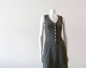 Olive Green Vintage || CLUB MONACO || Sun Dress. | White Floral Print. | 1990s | 90s. ||