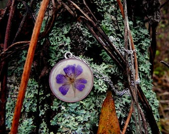 Floral resin necklace, Blue pressed flower pendant, Anniversary gift, Nature inspired terrarium jewelry, Gardening gift, Nature lover gift