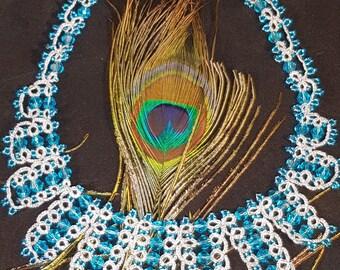 "Frivoliteketting ""Waterfall"" in silver metallic wire with blue glass beads"