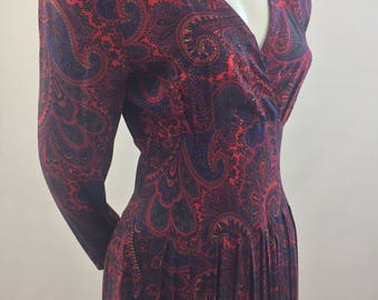 Vintage R.E.O. Originals Red Paisley Print Dress with Back Button Closure/Union Tags/Made In USA/Size 10