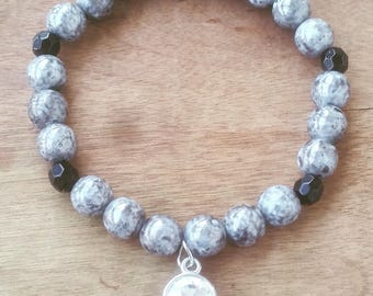 8mm Marbled Gray Glass Beaded Bracelet with Faux Diamond Charm