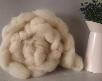 British Wool Roving 100g, wool roving, wool batt, un dyed wool, Dorset fleece, Natural wool roving, spinning wool, spinning fiber