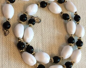 Chunky White and Black Beaded Lucite(?) Necklace