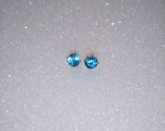 Blue Topaz Earstuds, Natural Faceted 5mm Round Blue Topaz, Blue Topaz Earrings
