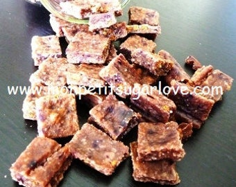 Yogurt squares with cereals, almonds, fruits & veggies OR yogurt, cereals and fruits berries